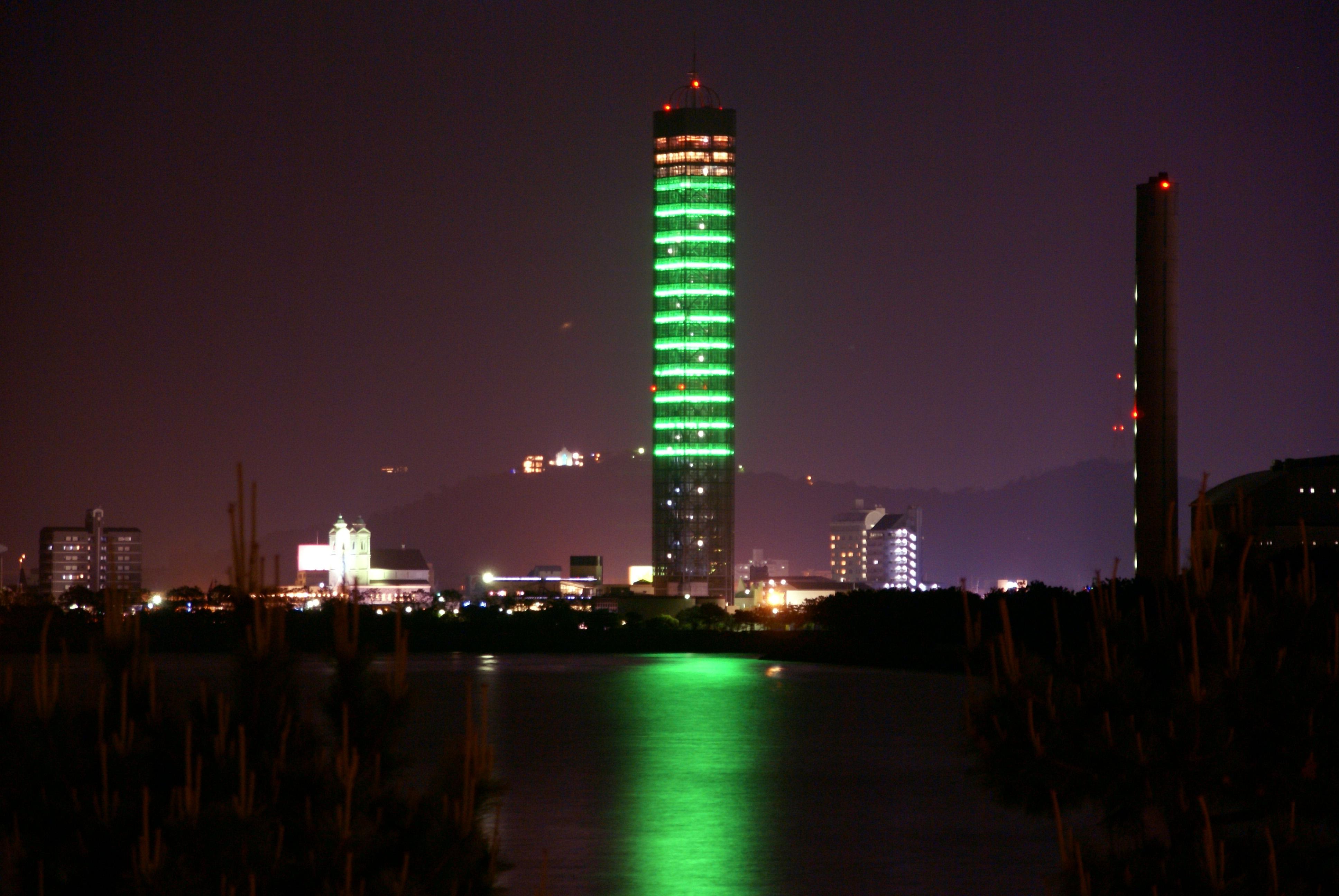 ゴールドタワーの夜景です。
